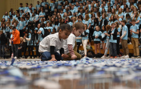 The Day in Photos: Closing Assembly